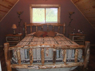 Cabin10_Bedroom1