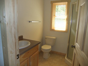 Cabin11_Bathroom3
