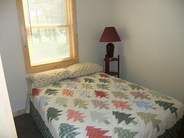 Cabin11_Bedroom